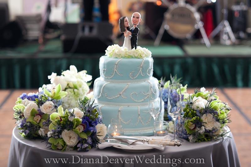 bobblehead cake toppers wedding ideas top wedding blog 39 s wedding trends 2015 david tutera. Black Bedroom Furniture Sets. Home Design Ideas