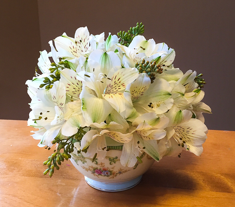 alstromeria floral arrangement