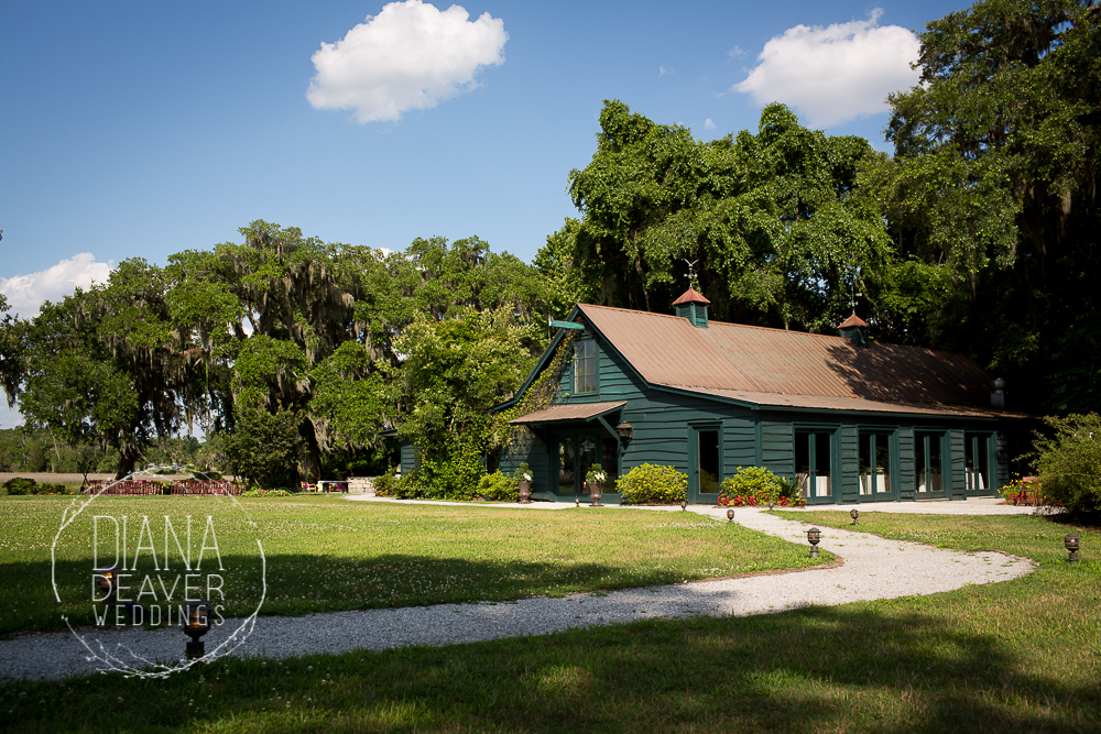 carriage house at magnolia plantation