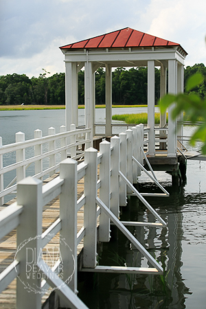 on the dock bride and groom photos examples at the creek club in ion (9)