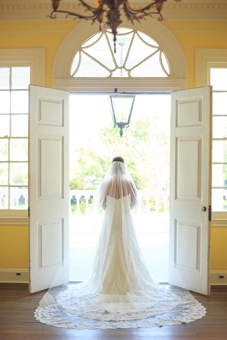 lowndes grove charleston sc wedding venue bridal portrait photographer diana deaver weddings-1